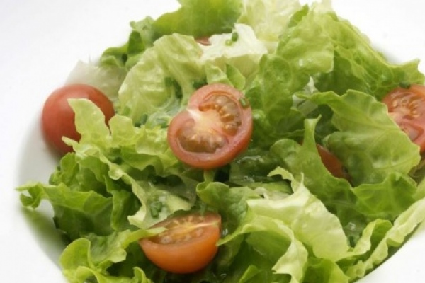 Cinco beneficios de comer ensaladas